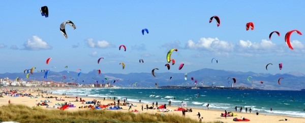 Los Lance kitesurfing beach spot in Tarifa Spain. Come and take your kite lesson with Tarifa Max kitesurfing school the oldest kiteschool in Tarifa Spain. Booking info@tarifamax.net or call 0034 696 558 227
