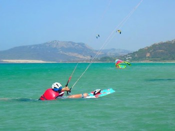 Learn how to control a kite in the water