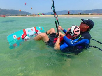 At Tarifa Max kite school the instructor comes into the water with you
