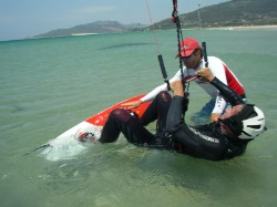 The instructor will help you to get the correct starting position for the waterstart